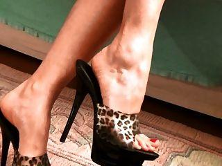 美麗的腳,性感的騾子
