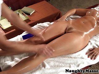 redhead pornstar janet梅森吮吸雞巴