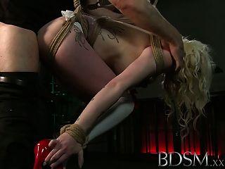 bdsm xxx紋身的奴隸被暫停,並使暨