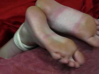 footjob和鞋底