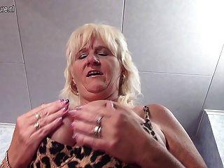 漂亮的奶奶隔壁蕩婦喜歡自己