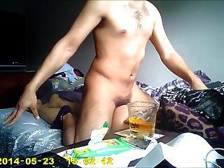 男人他媽的俄羅斯姑娘在家裡