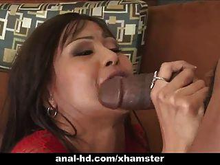 熱的亞洲蕩婦在三人肛門和雙重滲透