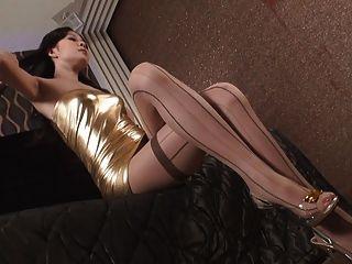 亞洲魅力美麗的年輕女孩在性感的衣服v1