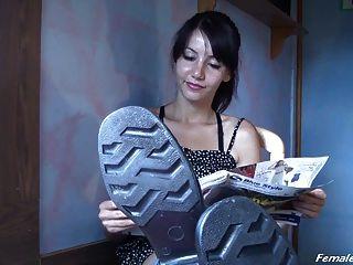 橡膠靴的崇拜