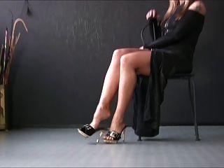 性感的女孩在性感的高跟鞋4