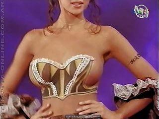 身體繪畫裸體在電視節目