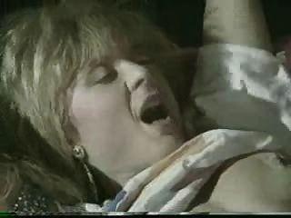 尼娜·哈特利&ray勝利