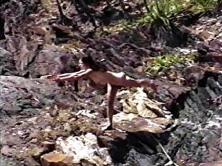 裸體運動瑜伽自然裸體