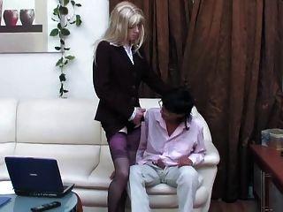 sissy crossdresser得到他媽的無鞍