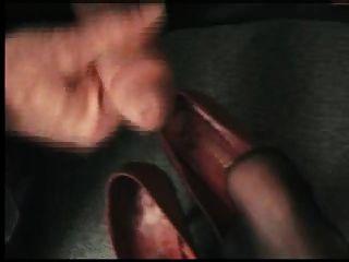 老闆衝進他的秘書泵
