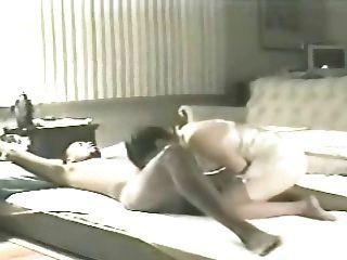 妻子elaine在客廳地板4(戴綠帽)