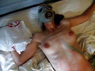 妓女與完美的身體是貓鞭打,直到她尖叫