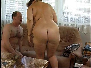 壯麗的脂肪滴定毛茸茸的奶奶