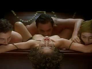 alyssa米蘭擁抱的吸血鬼