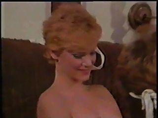 奇怪的女人(1982年)與luis shortstud