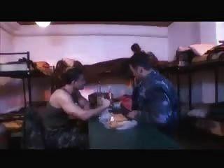 軍用鐵桿與大公雞
