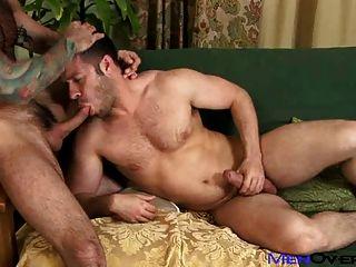 男性和多毛的nick moretti和tristan jaxx