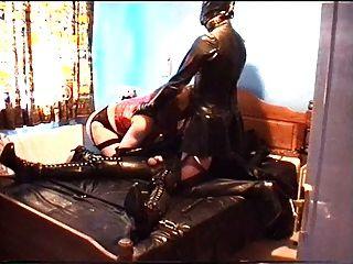 alison thighbootboy和她的橡膠奴隸2