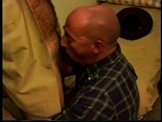 熱的警長他媽的一個禿頭爸爸