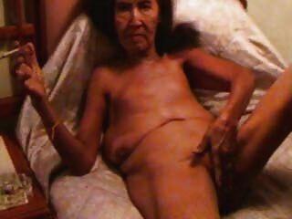 老妓女自慰和抽煙
