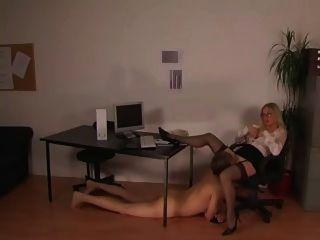 ein標籤im buero只是另一(hj)天在辦公室