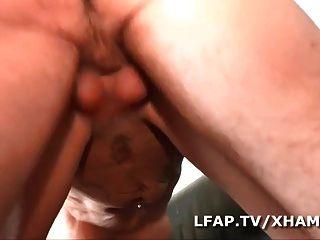 salope美洲獅sodomisee par un jeune