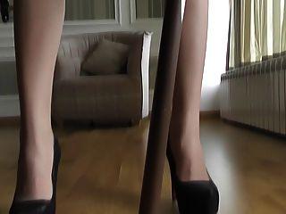 棕褐色連褲襪高跟鞋