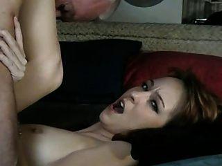老人他媽的保姆(他舔自己的cum和她)