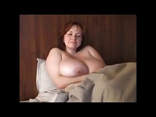 bbw milf紅發與巨大的胸部