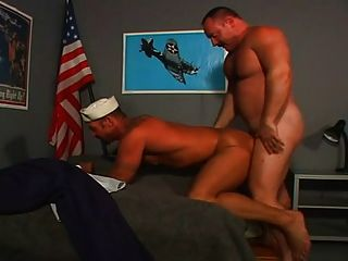 水手得到一個大公牛!