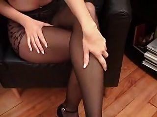 蘇珊娜在黑色連褲襪