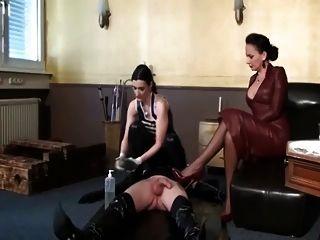 女孩釘著尿道彙編