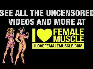 女性肌肉寶貝姜馬丁有一個驚人的身體!