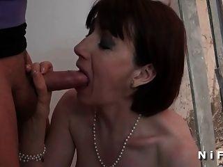 sextape法國milf肛門性交和麵部化