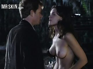 凱蒂·霍爾姆斯得到窒息和撕裂她的衣服!