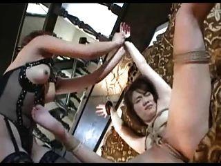 日本女同性戀奴役