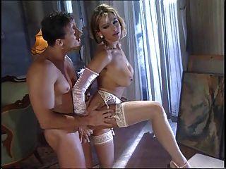 性感熱的逗人喜愛的milf selen de羅莎減速火箭