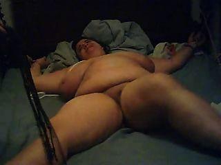 年輕的胖奴隸懲罰她的壞部分2