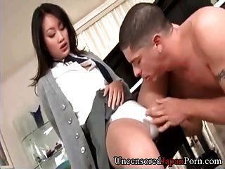 剃的日本女學生未經審查