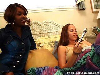 性感黑色女同性戀性視頻