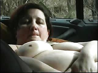 成熟蕩婦自慰在汽車
