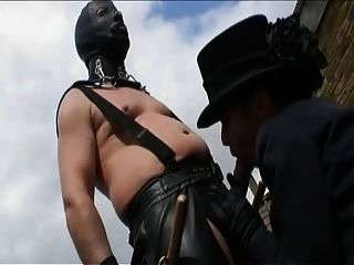 英國savanah金得了他媽的在一個淫穢的場景
