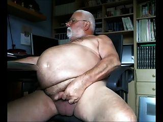 大腹部爺爺嘲諷相機
