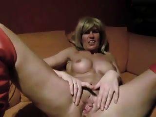 一個經驗豐富的德國妓女jerkoff命題