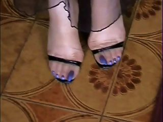 我的赤裸和襪子長藍色的腳趾!!!!!