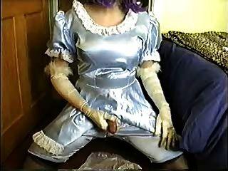 緞牛奶女僕