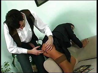 衣服業務成熟他媽的在屁股