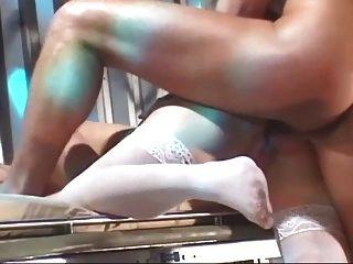 護士深喉和腳趾吮吸