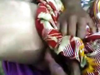 北印度阿姨給口交給她的客戶